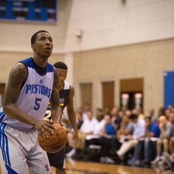 Kentavious Caldwell-Pope attempts a free throw