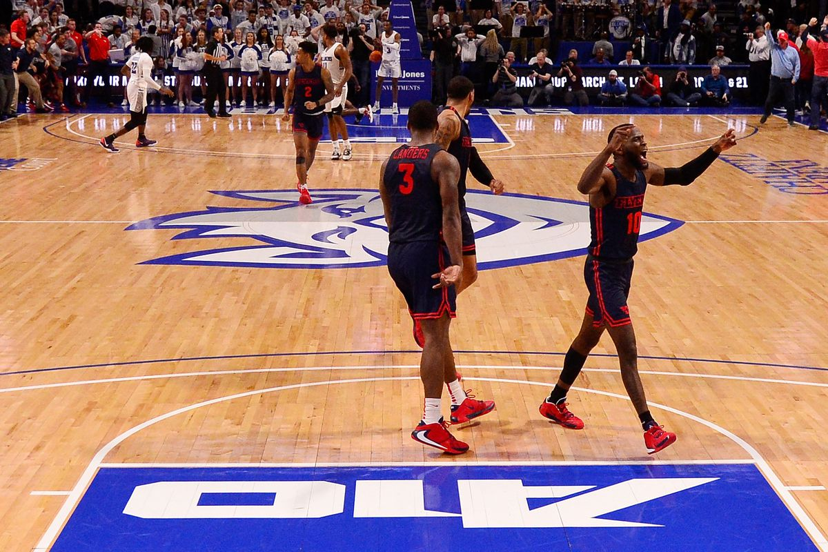 NCAA Basketball: Dayton at Saint Louis