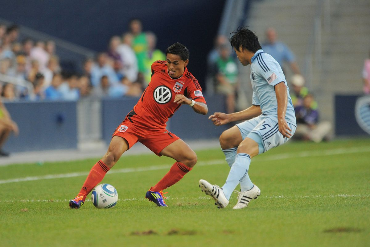 KANSAS CITY, KS - AUGUST 21:  Andy Najar #14 of D.C. United advances the ball against Sporting Kansas City during an MLS match on August 21, 2011 at LiveStrong Sporting Park in Kansas City, Kansas. (Photo by G. Newman Lowrance/Getty Images)