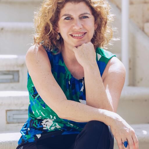 Alona Martinez