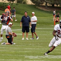 Peyton knows where to throw, before DT even looks back