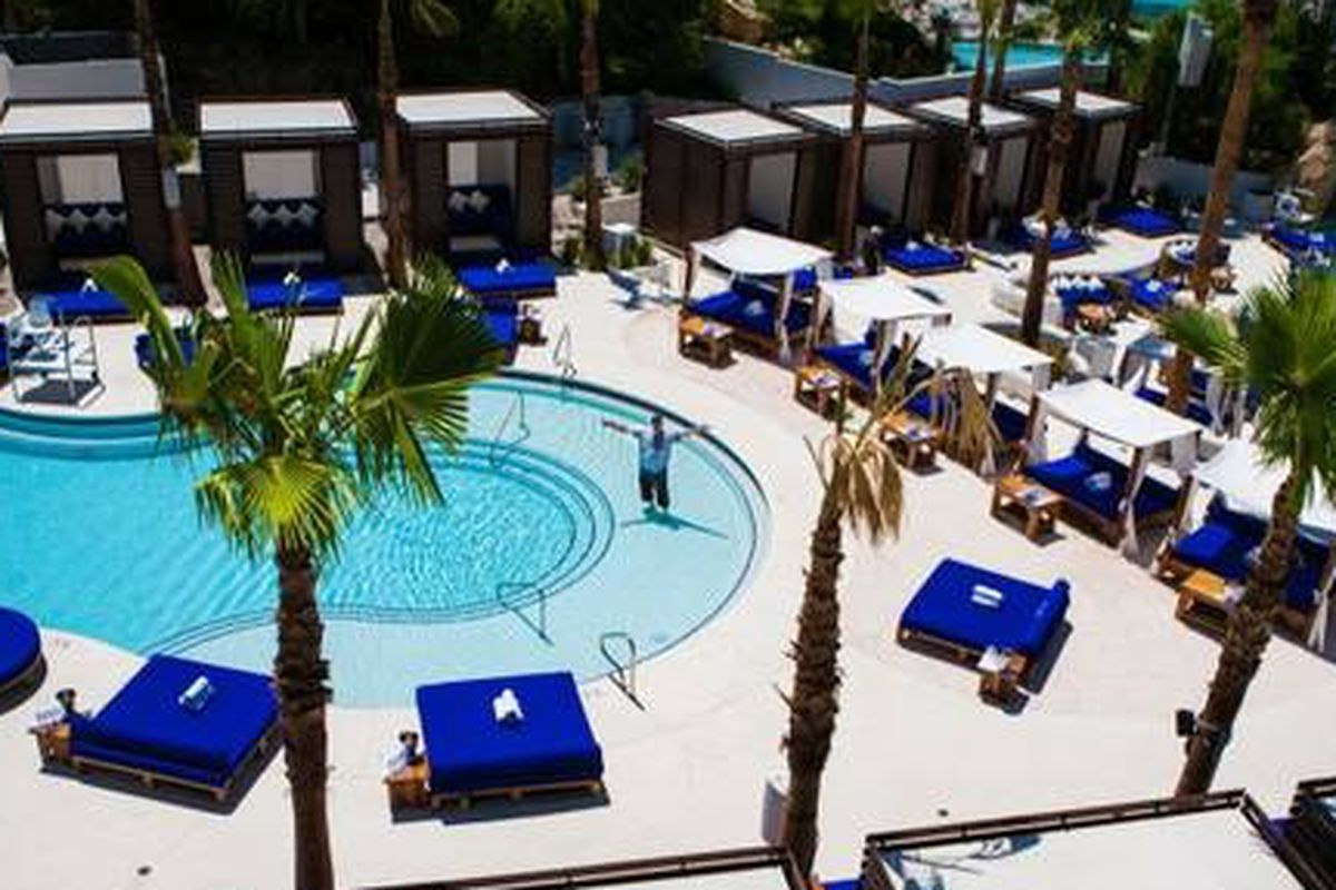 The pool at Bagatelle