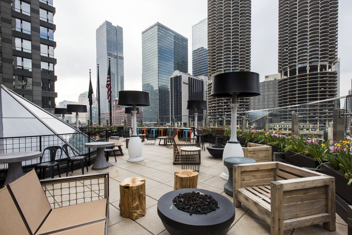 A Sneak Peek At The Renaissance Hotel S New Riverfront Rooftop Terrace Curbed Chicago