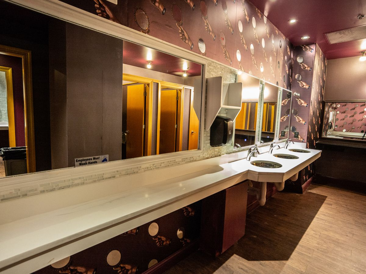 16 D C Restaurant Bathrooms That Are Made For Instagram Selfies Eater Dc