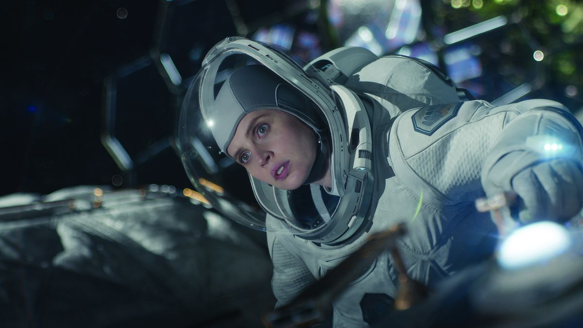 The Midnight Sky review: George Clooney's sci-fi thriller has zero gravity  - Polygon