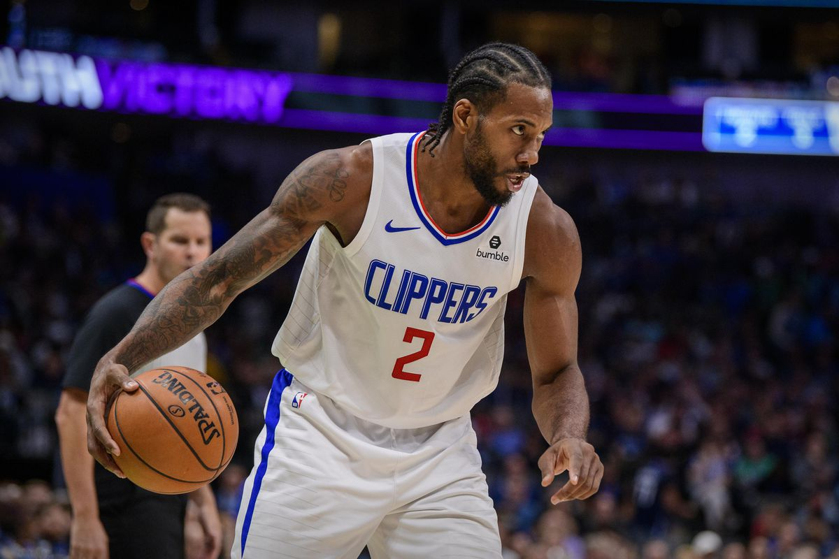 LA Clippers forward Kawhi Leonard in action during the game between the Mavericks and the Clippers at the American Airlines Center.