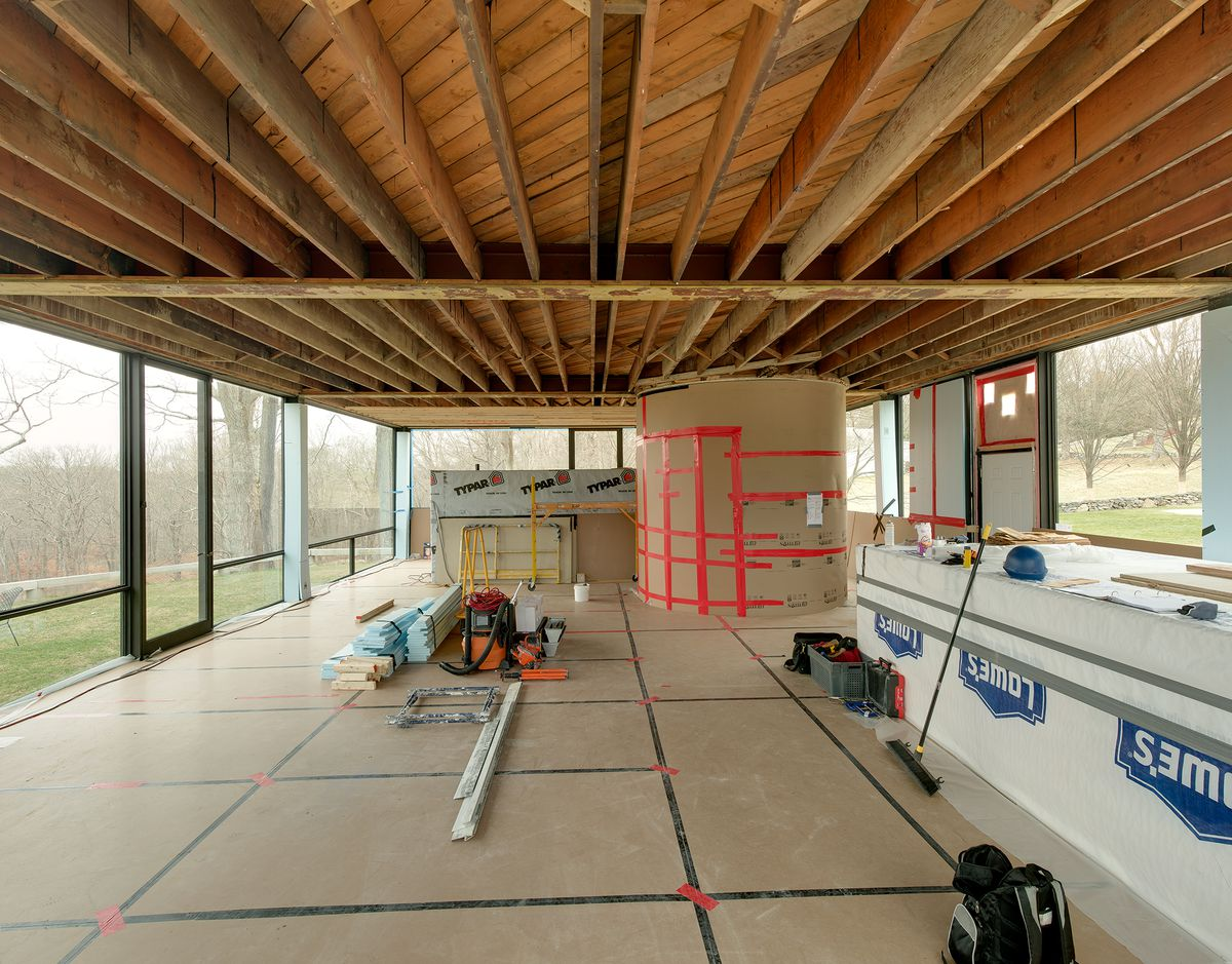 Philip Johnsons Glass House Replaces Its Ceiling Curbed