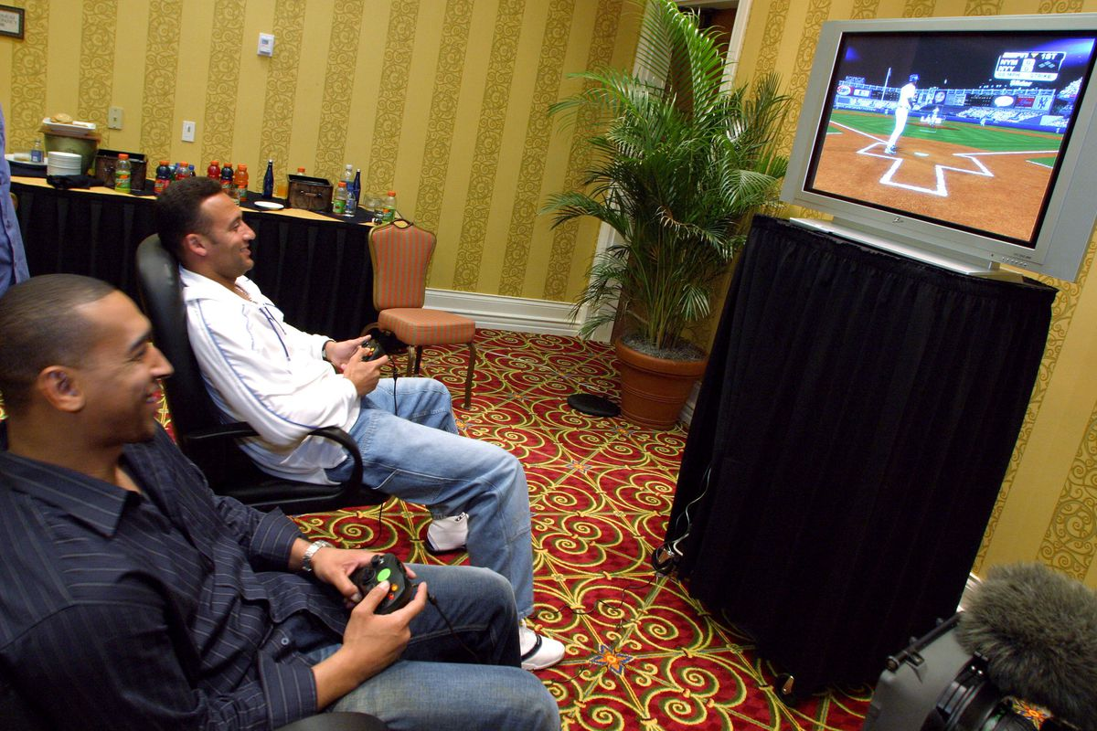 "Derek Jeter Plays XBox ""Major League Baseball 2K5"""