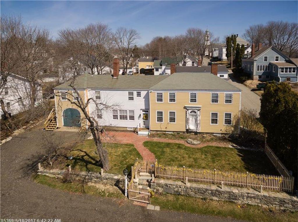 Terrific 3 Historic Waterfront Houses For Sale Right Now Curbed Home Interior And Landscaping Ologienasavecom