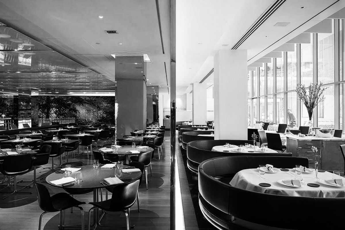Danny meyer 39 s the modern is making more money than ever for Restaurant moderne