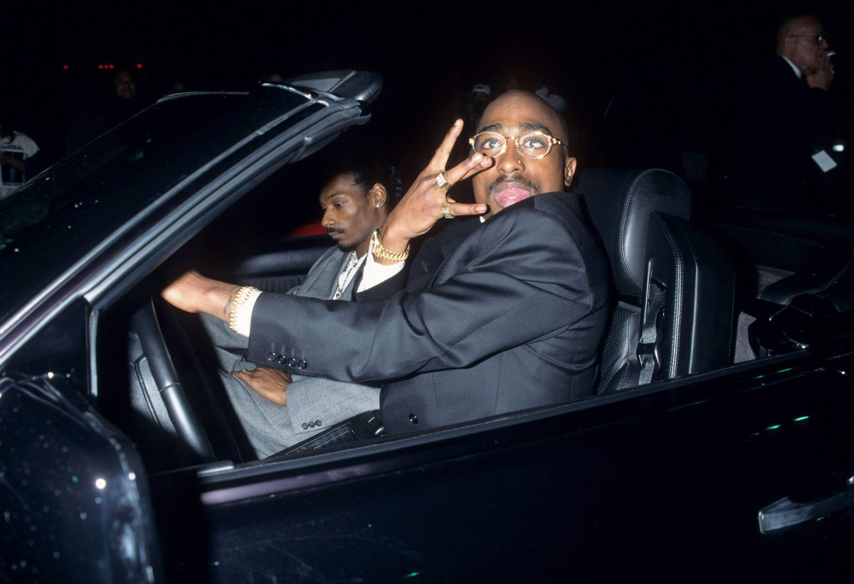Snoop Dogg and Tupac at the 1996 American Music Awards.