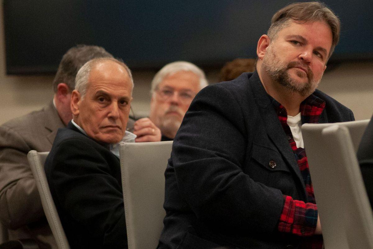 MTA board members Larry Schwartz (left) and John Samuelsen at a January 2020 MTA board meeting.