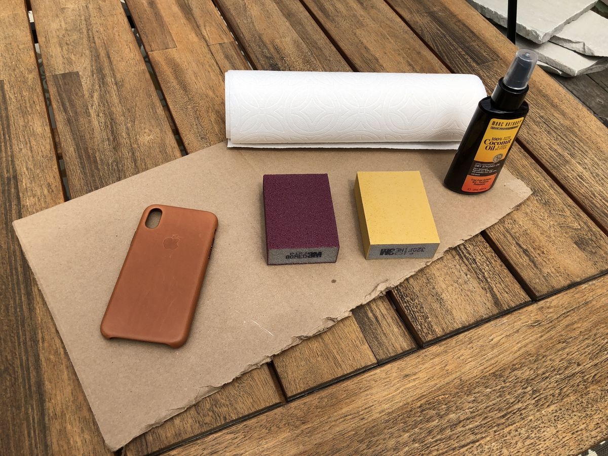 wholesale dealer f2600 bce1c How to get a great patina on your iPhone X leather case - The Verge