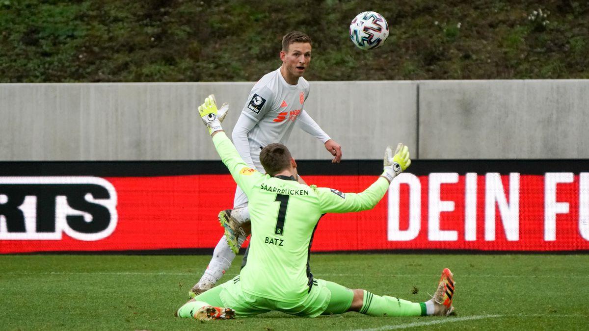 1. FC Saarbruecken v Bayern Muenchen II - 3. Liga