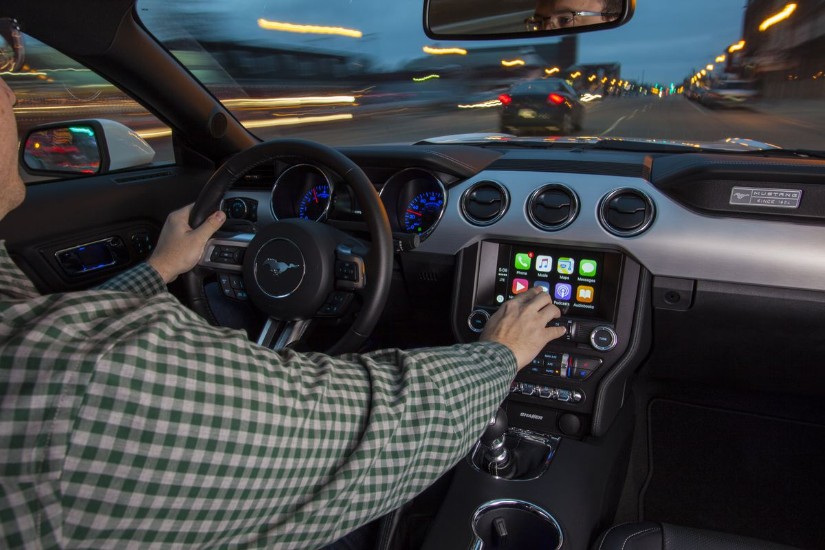 Here S What Google Maps Looks Like Running On Apple Carplay The Verge