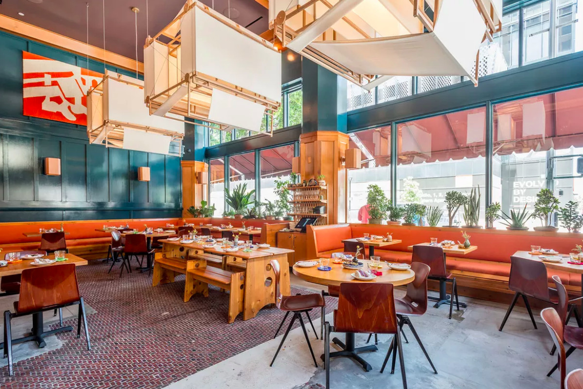 Jonathan gold explores the global influences at downtown for Hell s kitchen restaurant la