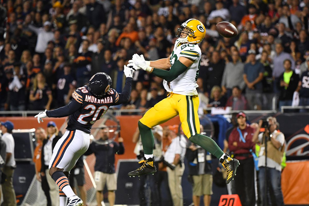 Packers tight end Jimmy Graham attempts to make a catch vs. the Bears at Soldier Field.