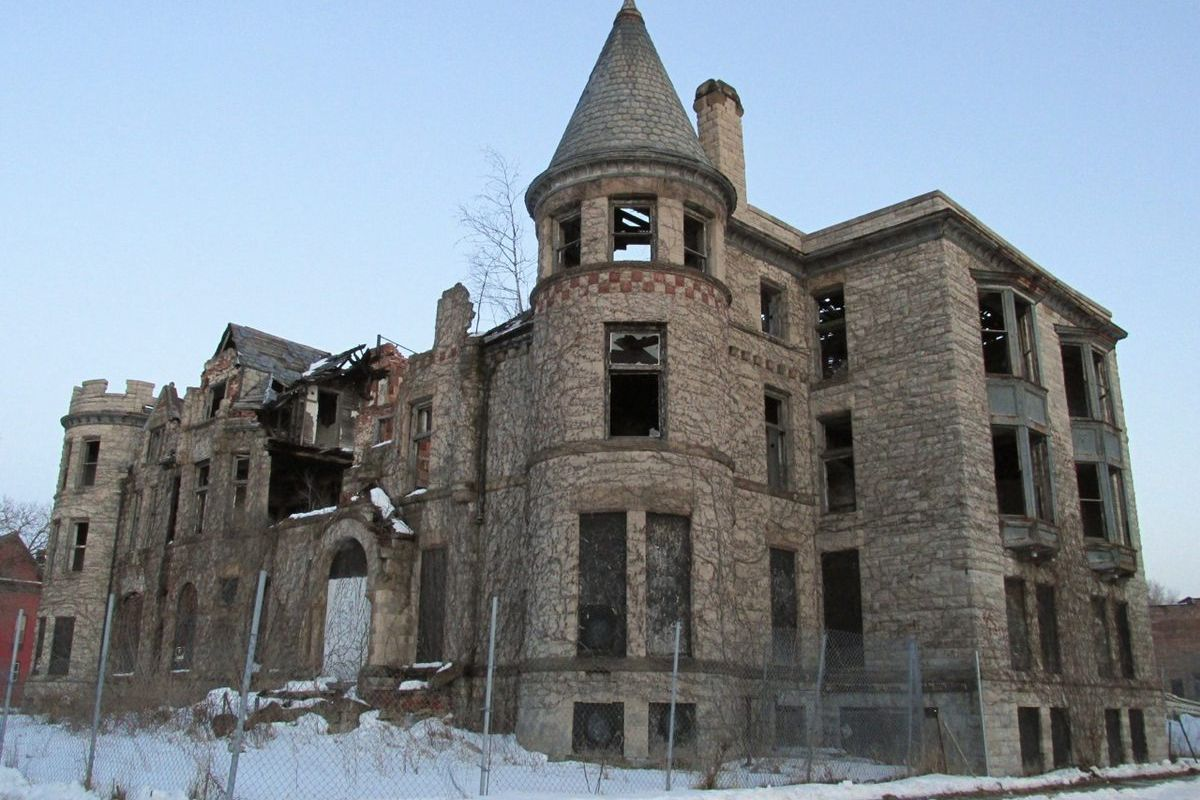James Scott Mansion in March, 2014 [Beshouri/Curbed]