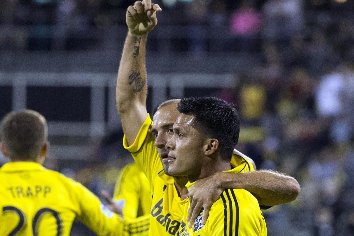 Crew re-sign Arrieta (hoping for 2012 version)