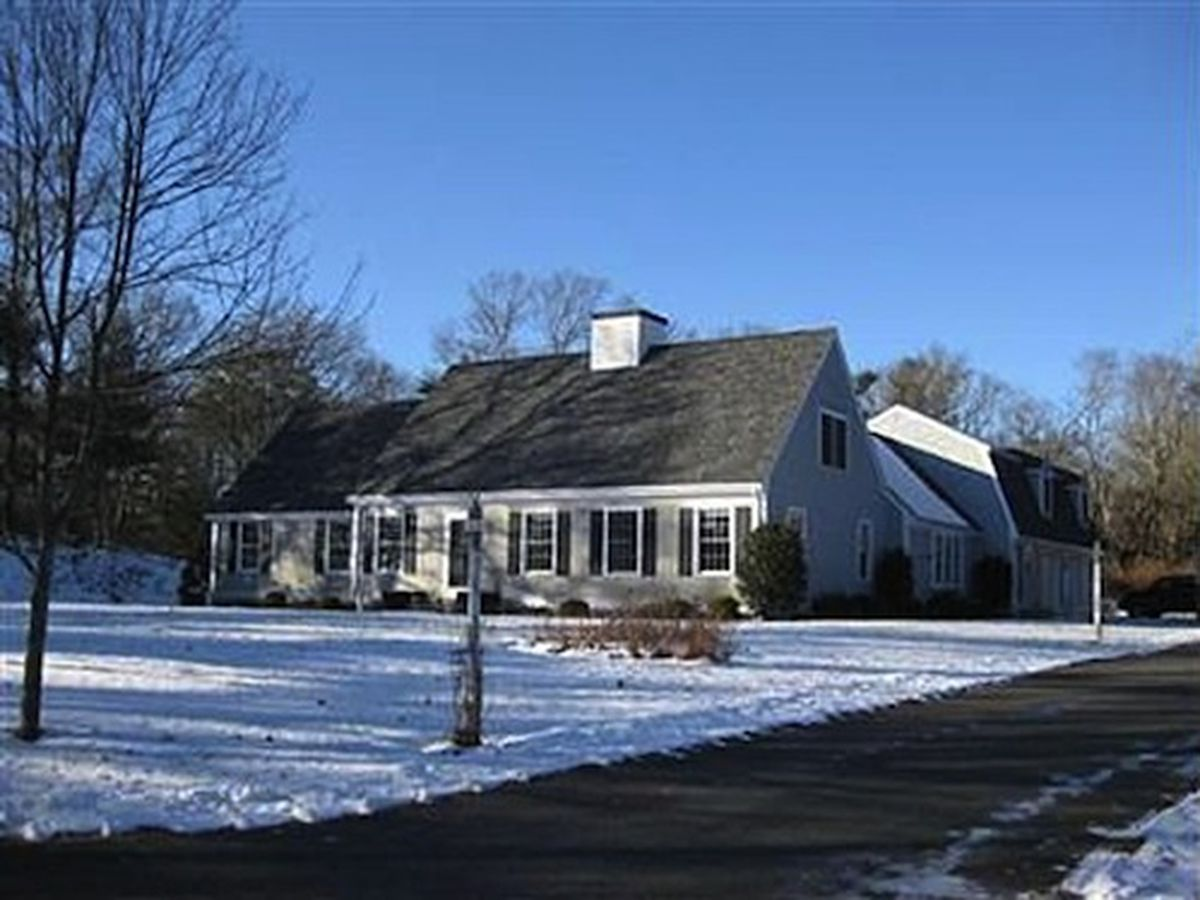 """<a href=""""http://www.zillow.com/homedetails/129-Old-Dam-Rd-Bourne-MA-02532/55862698_zpid/?utm_source=Curbed&amp;utm_medium=referral&amp;utm_content=photohdp&amp;utm_campaign=partner_widgets#Curbed""""></a>"""