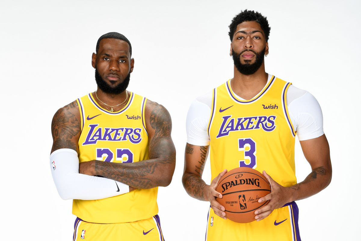 Lakers News Anthony Davis Lebron James Expected To Play In