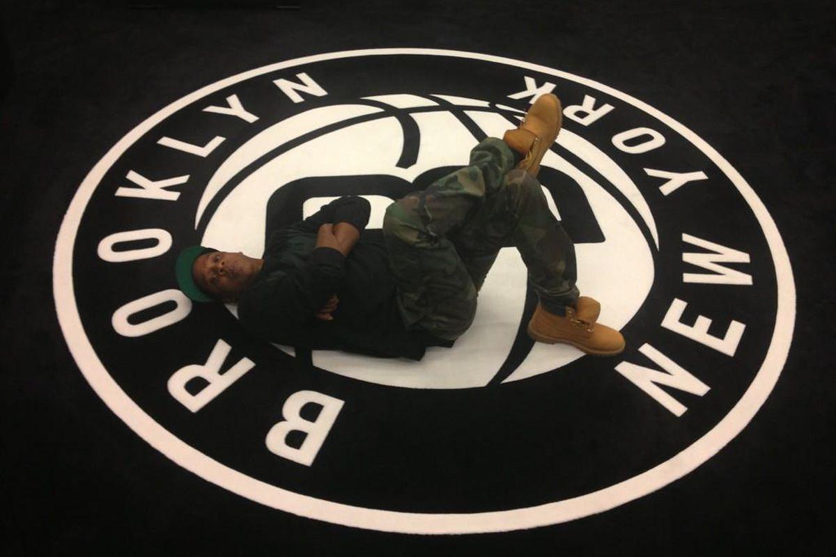 Jay-Z on Nets Logo