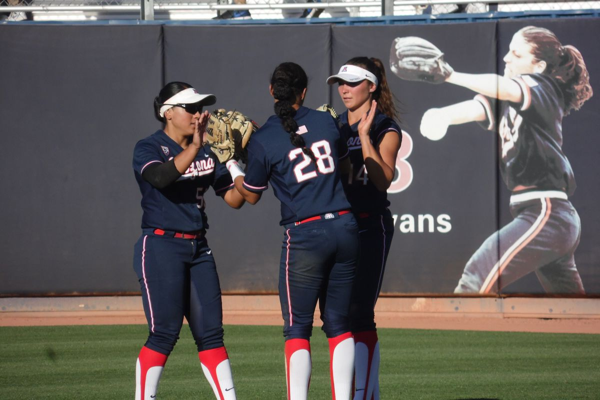 Wildcat Softball wins game one against Baylor, 3-2