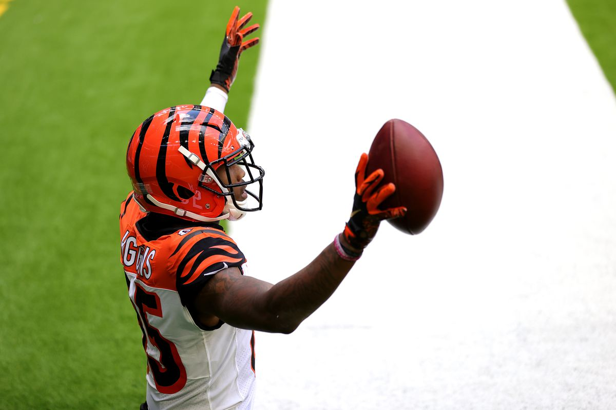 Tee Higgins #85 of the Cincinnati Bengals in action against the Houston Texans at NRG Stadium on December 27, 2020 in Houston, Texas.