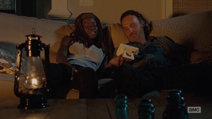 Rick and Michonne hook up.