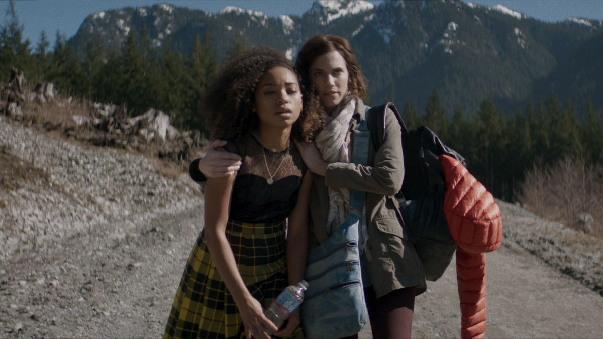 Logan Browning and Allison Williams in The Perfection.