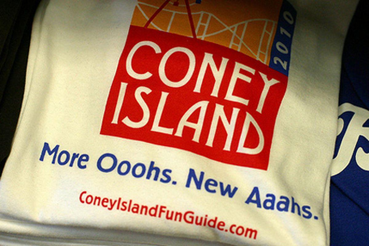 "Coney Island Beach Shop via <a href=""http://www.flickr.com/photos/rachel_photo/4658958950/in/pool-rackedny"">rachel.photo</a>/Racked Flickr Pool"