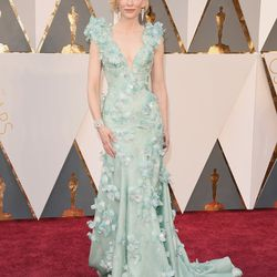 Best Actress nominee Cate Blanchett wears Armani (which we totally called!). Photo; Jason Merritt/Getty Images