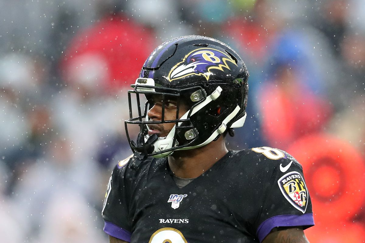 Quarterback Lamar Jackson of the Baltimore Ravens looks on against the San Francisco 49ers in the second half at M&T Bank Stadium on December 01, 2019 in Baltimore, Maryland.