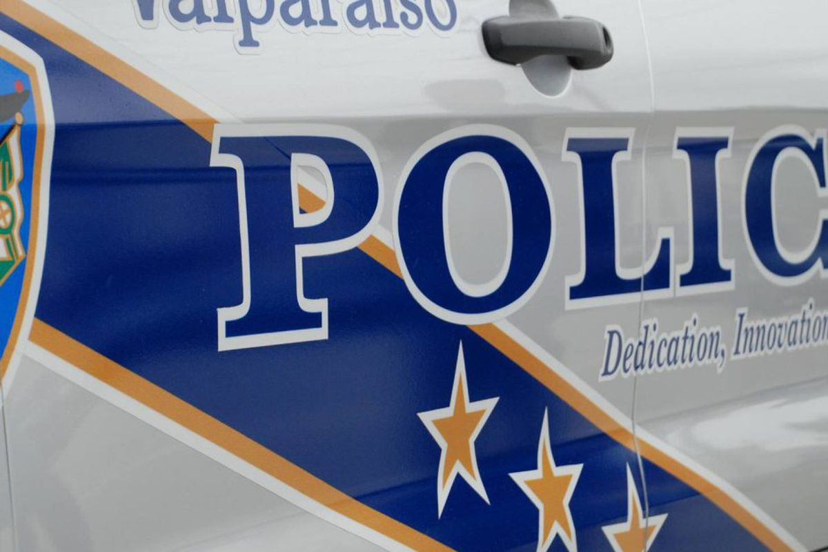 Motorcyclist dies after crash with deer in Valparaiso