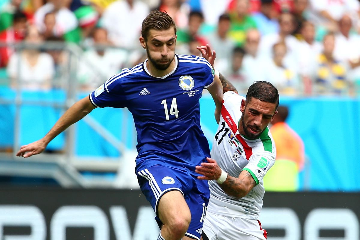 Sušić (#14) in action for Bosnia in the World Cup, the midfielder is close to signing with Inter Milan. Credit