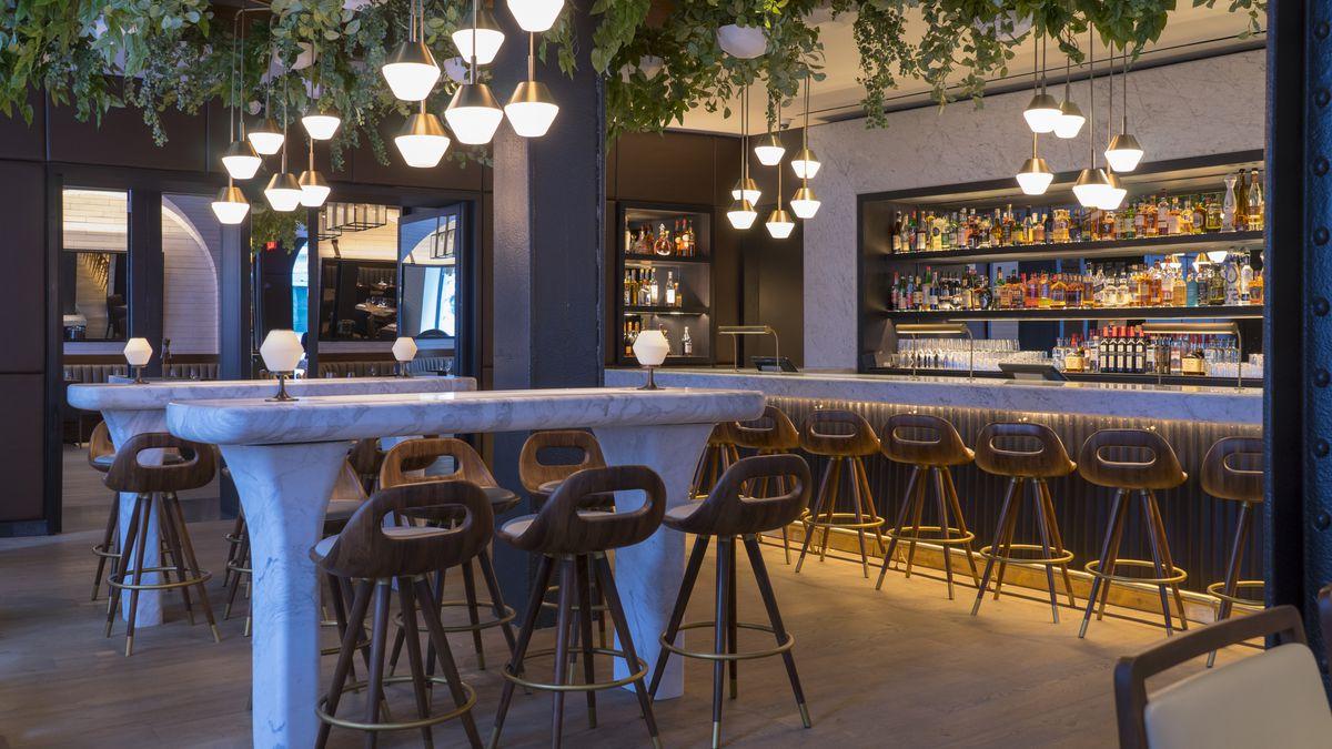 Scarpetta's bar