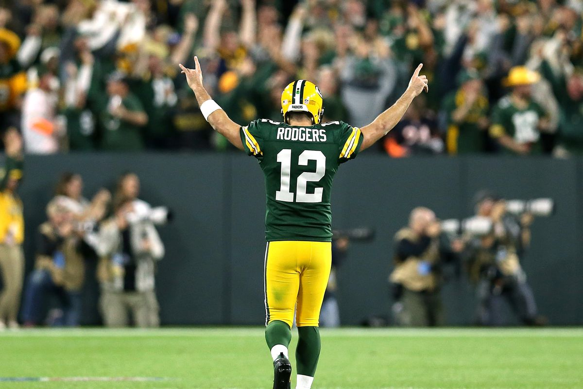 e8bf47b2872 Aaron Rodgers Just Staged a Legend-Making Comeback on One Leg - The ...