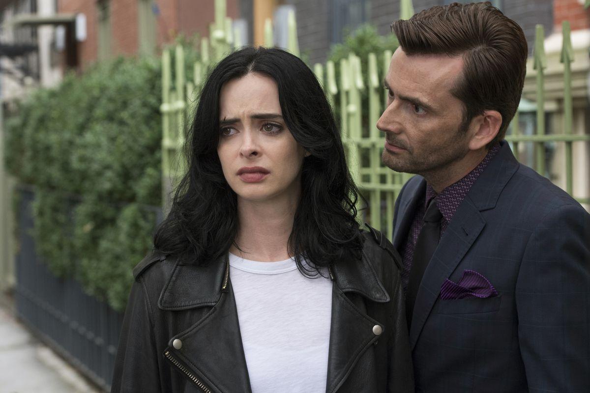 Kyrsten Ritter and David Tennant in Jessica Jones S2, Marvel, Netflix.