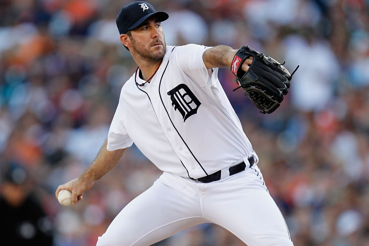 DETROIT, MI - AUGUST 17:  Justin Verlander #35 of the Detroit Tigers throws a second-inning pitch while playing the Baltimore Orioles at Comerica Park on August 17, 2012 in Detroit, Michigan.  (Photo by Gregory Shamus/Getty Images)