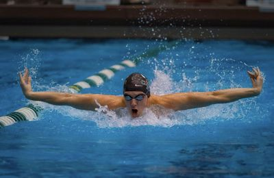 MacJilton Lewis in the pool for Cleveland State.