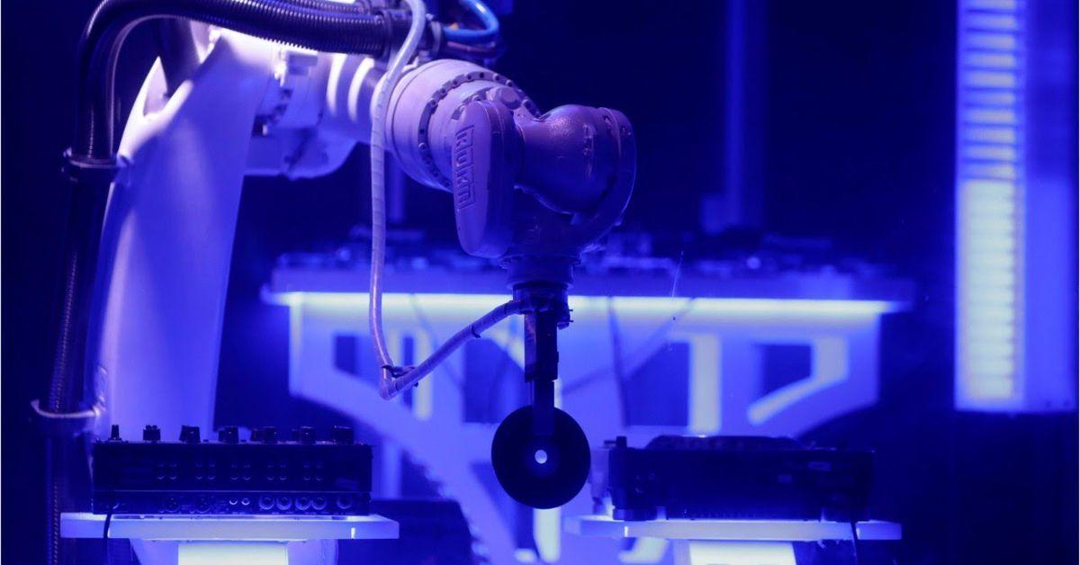 robotic dj kuka ile ilgili görsel sonucu