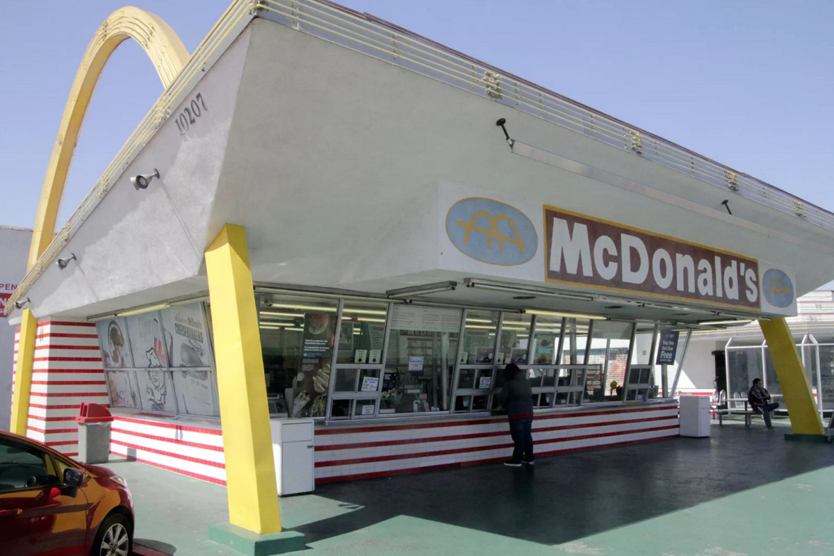 LA McDonald's Workers Stage Sexual Harassment Strike ...