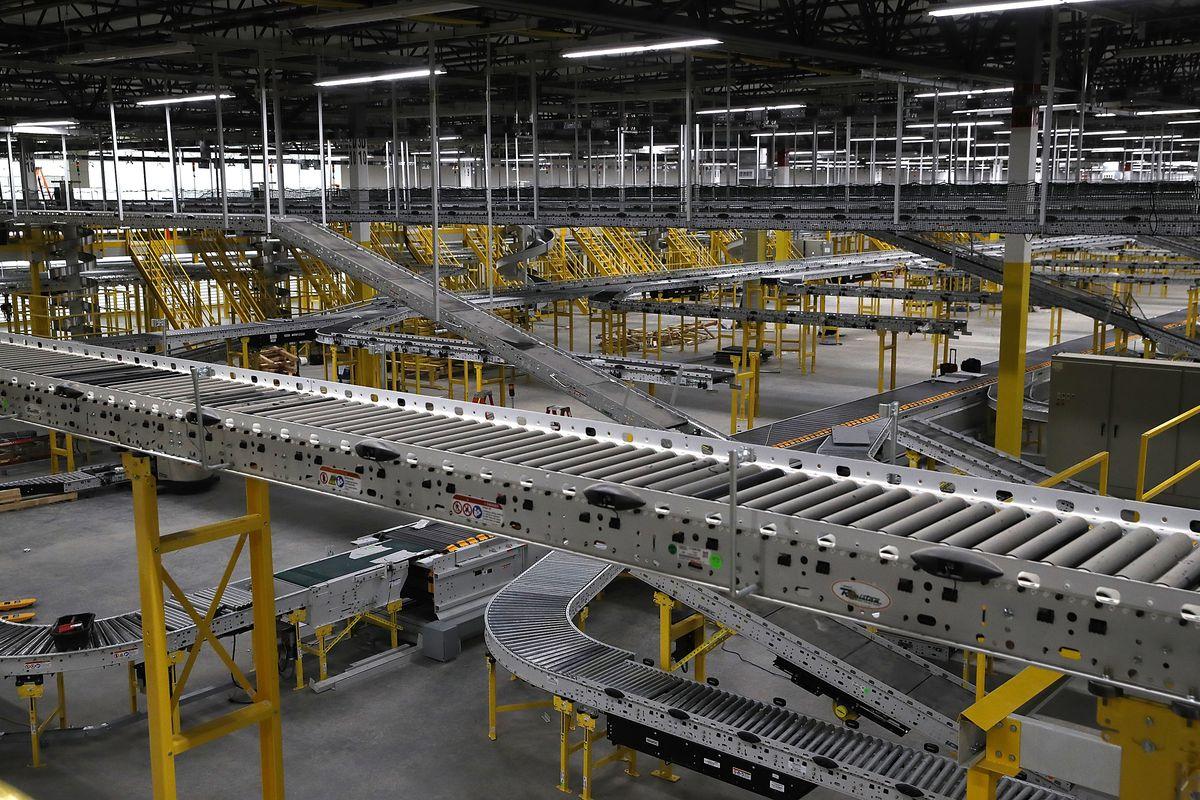 Amazon To Open New Fulfillment Center In Sacramento