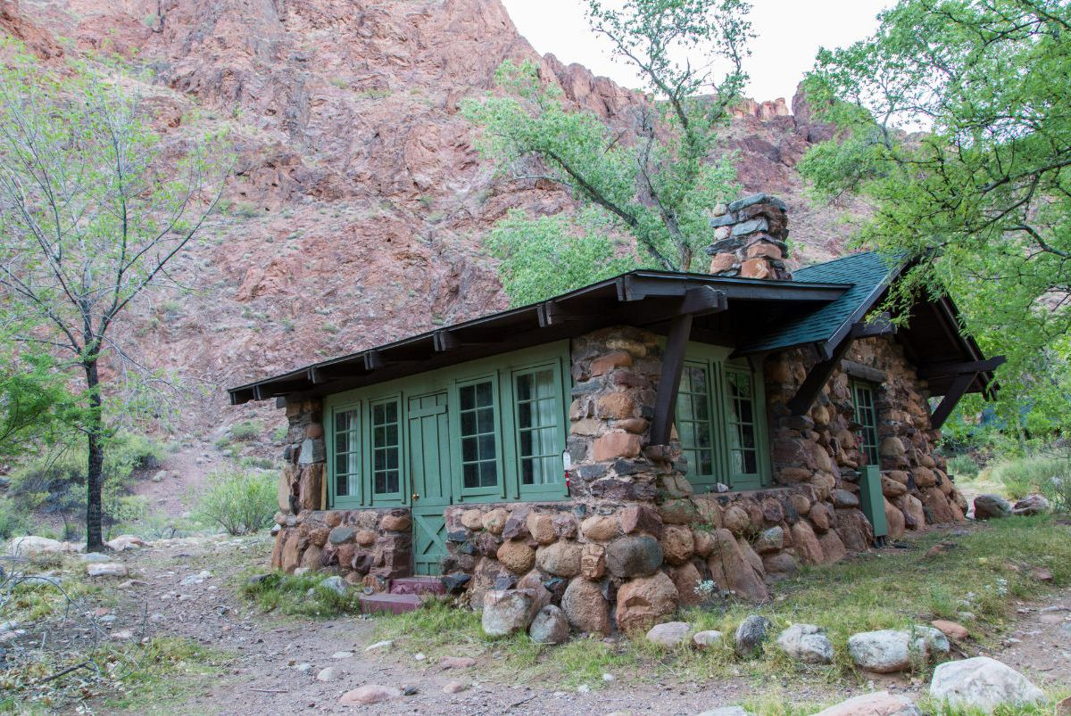 A cabin at the Grand Canyon
