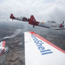 The AeroShell Aerobatic Team for the Chicago Air and Water Show.   Colin Boyle/Sun-Times
