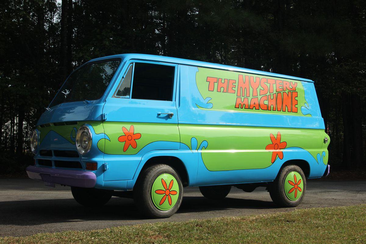 Movie Buff Builds Scooby Doo's Mystery Machine