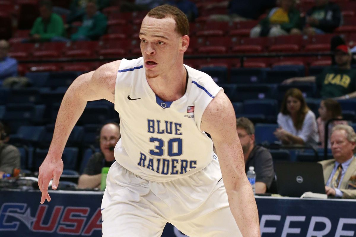Reggie Upshaw came through in the clutch to send Middle Tennessee State dancing.