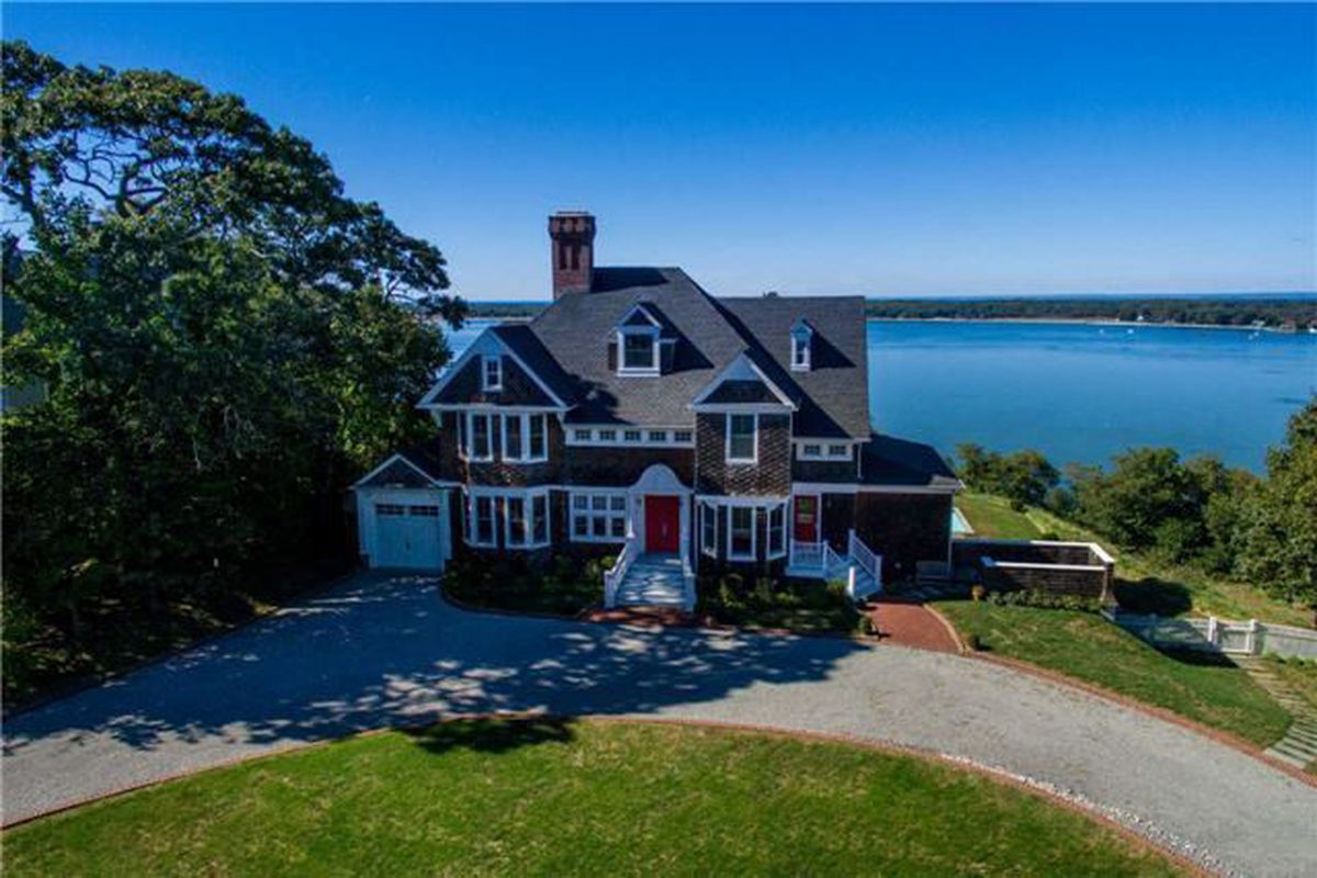 22 Prospect Ave, Shelter Island Heights