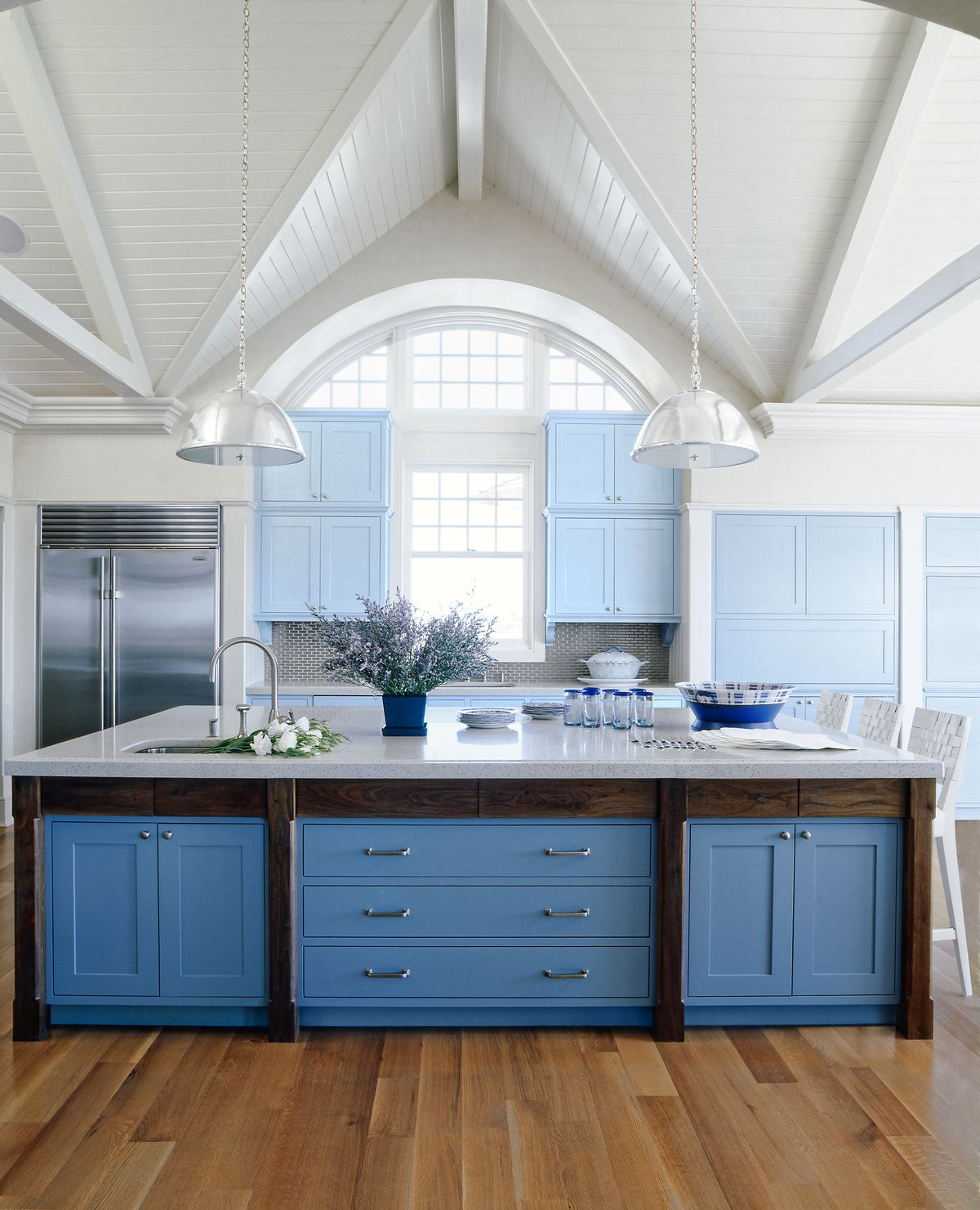 12 Kitchen Cabinet Color Ideas: Two-Tone Combinations ...