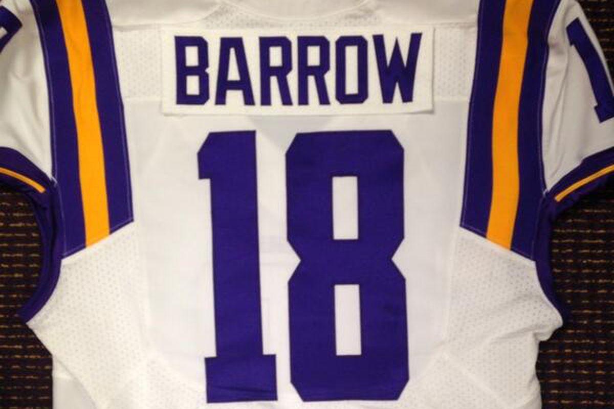 #18 has been awarded to LB Lamin Barrow